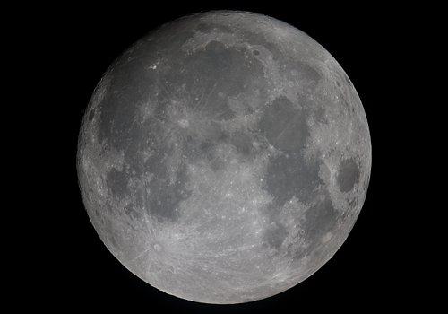 http://astro.gligor.net/2010/02/luna-aproape-plina/