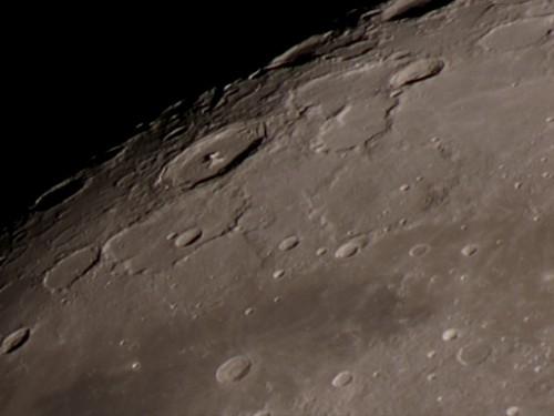 http://astro.gligor.net/2012/03/cratere-lunare-pitagora/