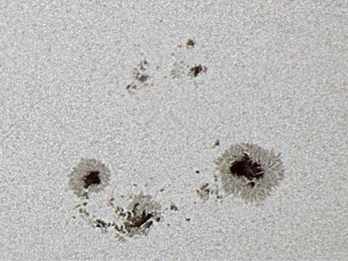 http://astro.gligor.net/2012/06/soare-zona-activa-ar1504/
